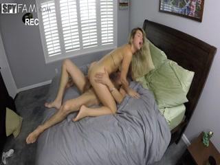 Смотреть порно инцест брата и сестры на кухне в разных позах - брат трахнул
