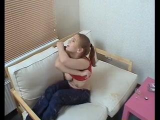 Брат трахнул пьяную сестру и кончил ей прямо на лицо, получив кайф