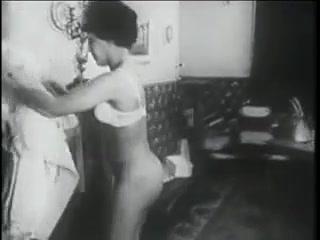 Порно с красивыми женщинами за , которые отлично сосут члены парней