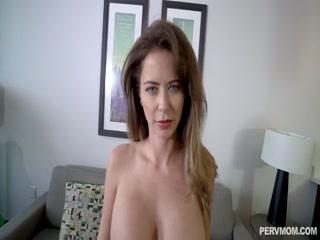 Смотреть порно кастинг с молодой телкой - парень